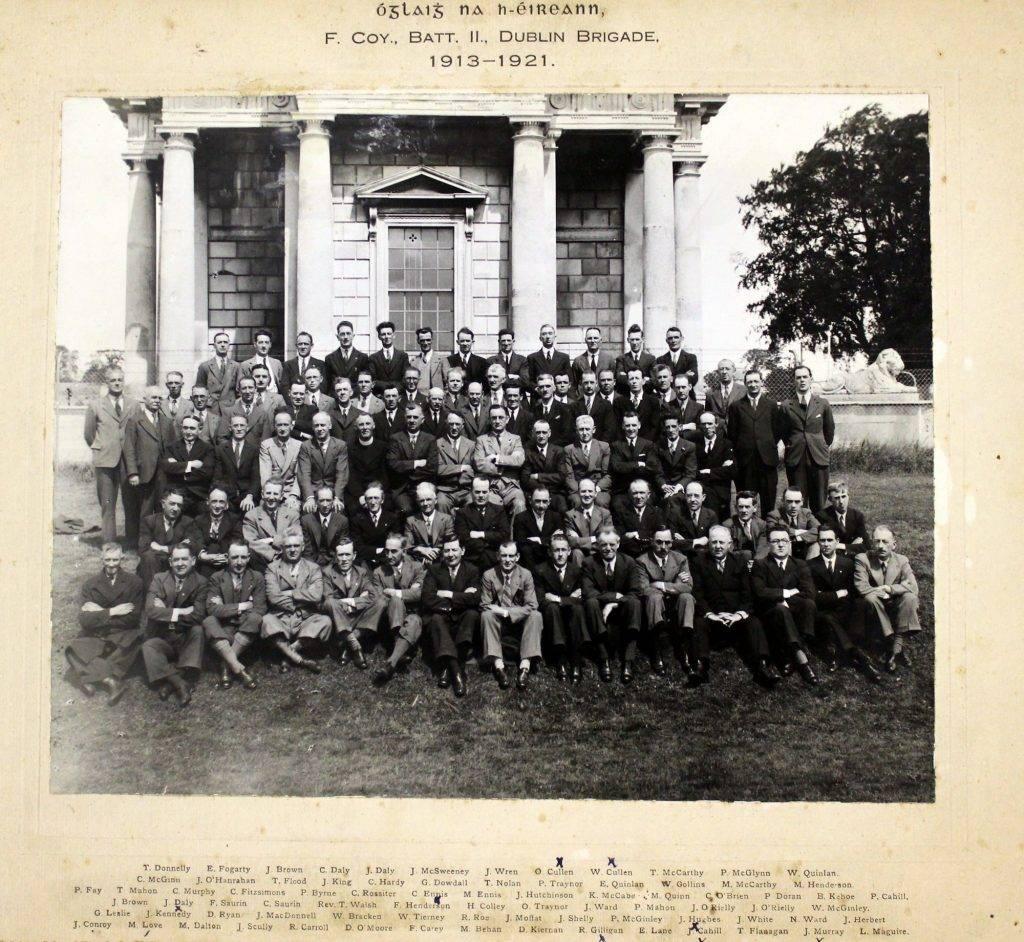 Grianghraf dubh agus bán d'Óglaigh na Éireann, Complacht F, An Dara Cathlán, Briogáid Bhaile Átha Cliath (1913-1921). IE/AL/IMG/375 [c.1941-1966]. Leabharlann Allen.